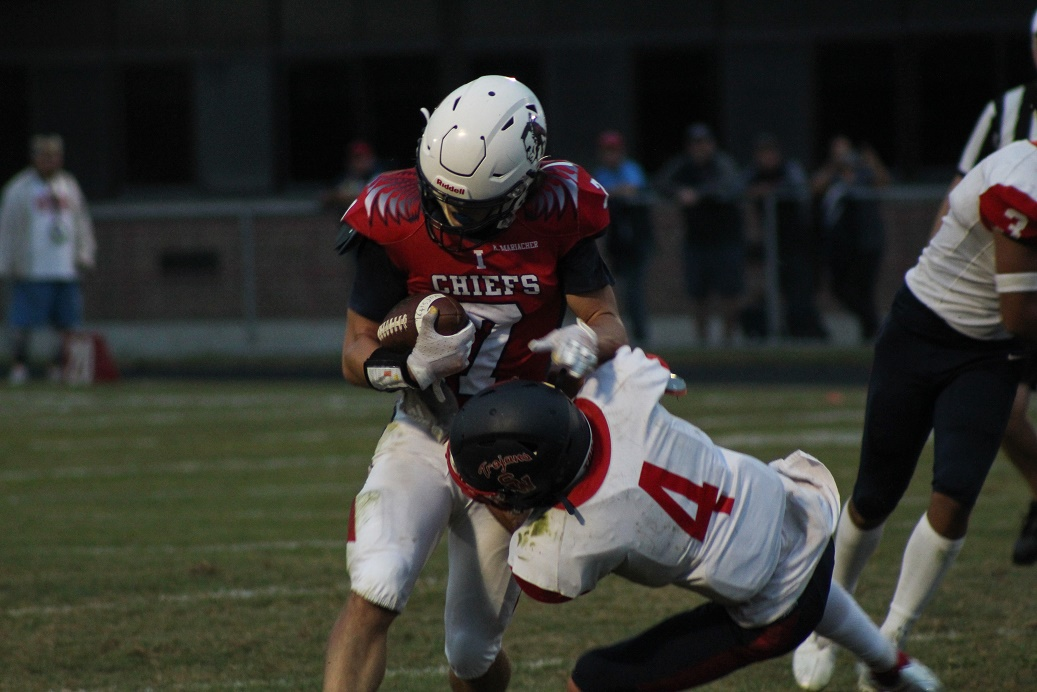 Late two-point conversion lifts Iroquois over Southwestern