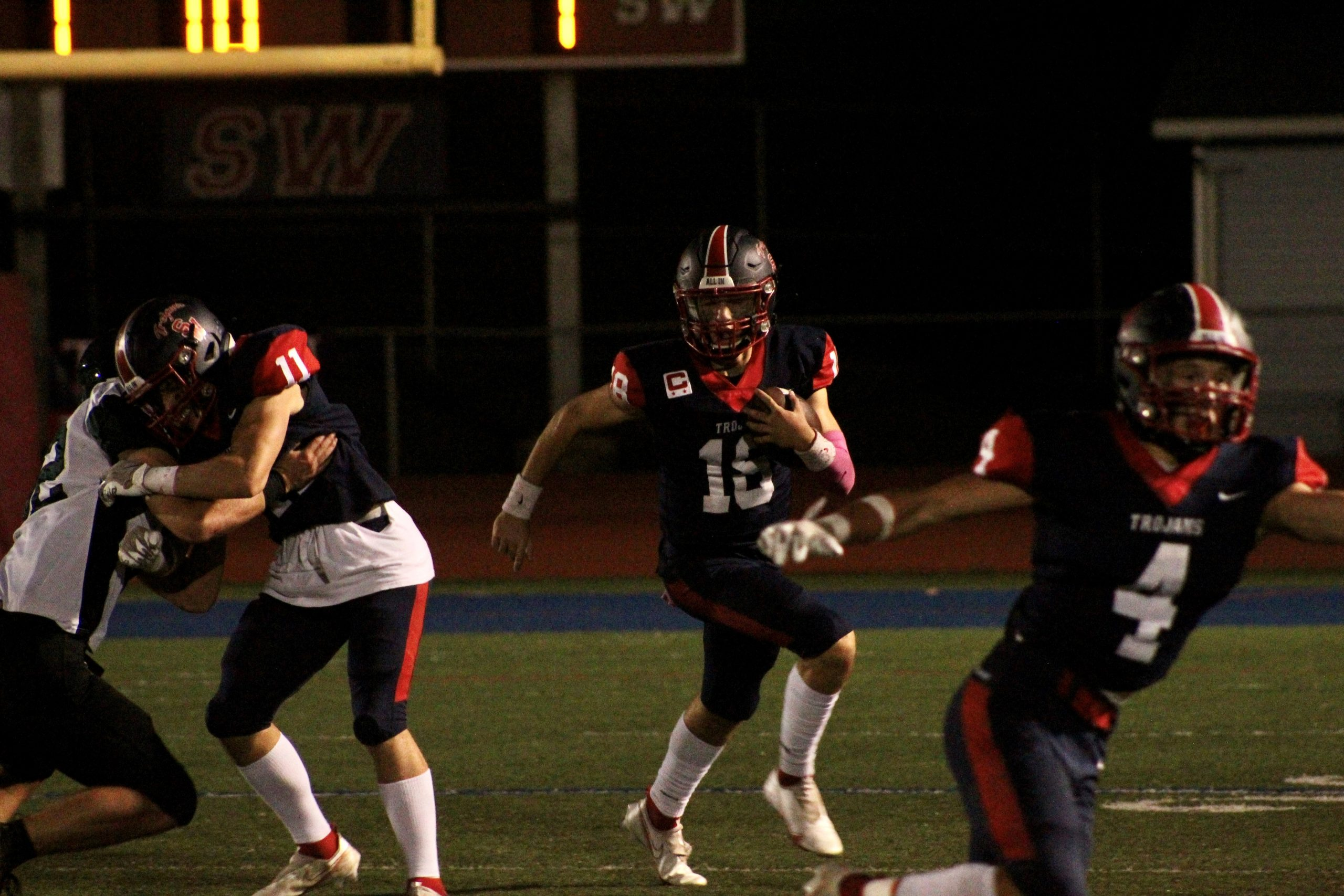 Kennedy shines as Trojans bounce back with 36-12 win over Gators